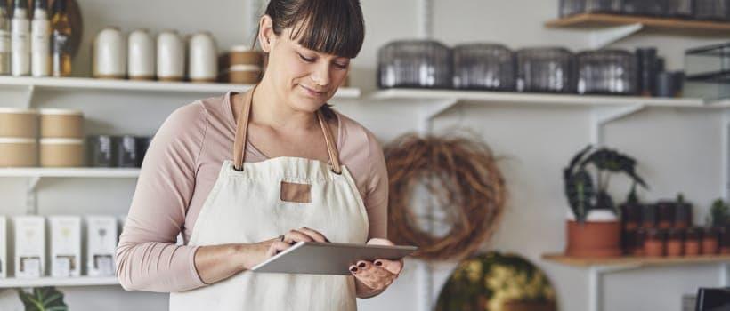 隨著消費者購買行為改變,新零售時代的興起,線上購物,亦稱網購,已成為普遍人選擇購物模式的必備之一。成立線上購物事業,建立自己的專屬網店,亦是創業者首選的銷售模式。
